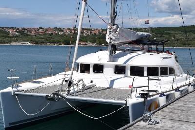 catamaran-lagoon-.jpg